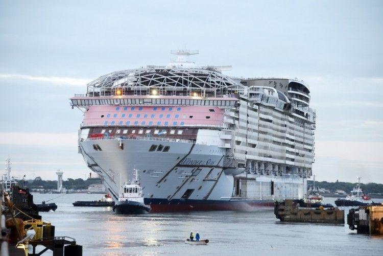"""El buque """"Wonder of the Seas"""", tras su puesta a flote"""