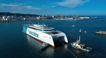 El nuevo catamarán de Balearia, tras su puesta a flote