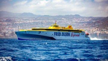 """El trimarán """"Bajamar Express"""" colabora con la Armada en el ejercicio MARSEC 20"""