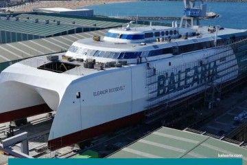 El nuevo catamarán de Balearia, en la grada de Astilleros Armón