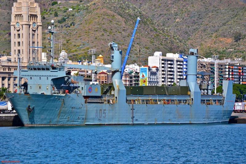 """""""El Camino Español"""", atracado en el puerto de Santa Cruz de Tenerife"""