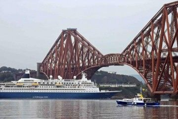 "El buque ""Boudicca"" abandona Firth of Forth"