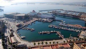 Panorámica del puerto de Melilla