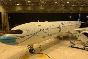 El morro del nuevo avión de Garuda luce mascarilla