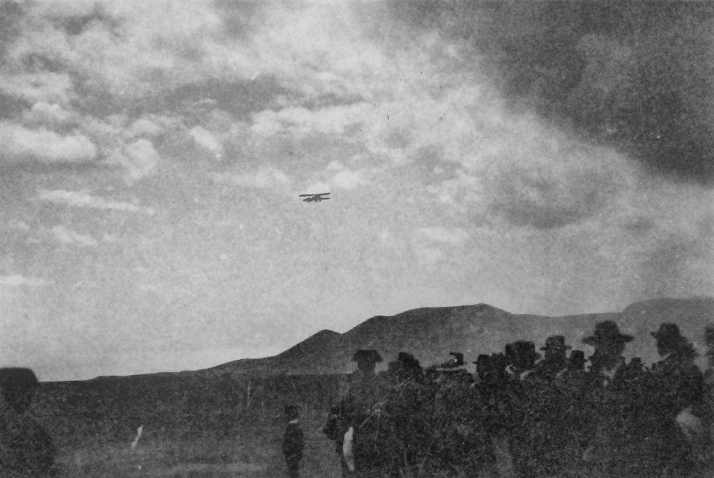 Maniobra de aproximación al campo de aviación de El Bailadero (Arico, 1924)
