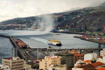 """Llegada del catamarán """"Bencomo Express"""" a La Palma"""