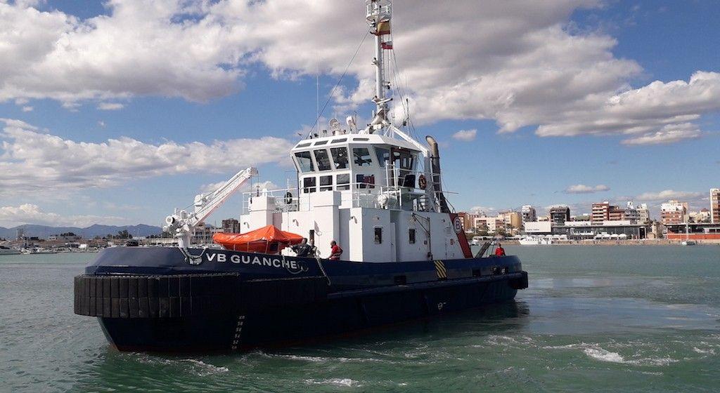 """Estampa marinera del nuevo remolcador """"VB Guanche"""""""
