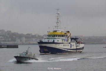 """El buque oceanográfico """"Ángeles Alvariño"""", a su salida de La Graña"""