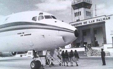"""Vista parcial del avión Douglas DC-8 """"Playa de las Canteras"""" de AVIACO"""