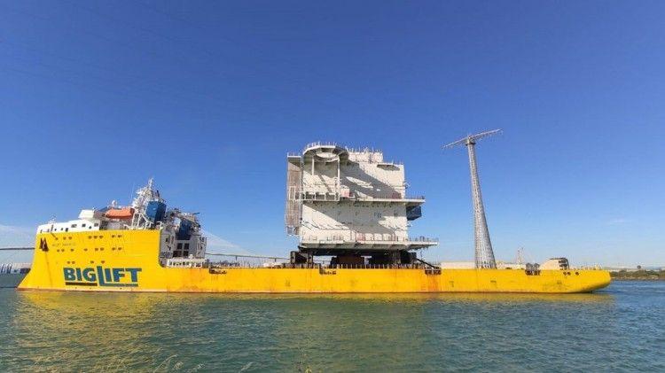 """El módulo HVDC, a bordo del buque """"Biglift  Barentz"""""""