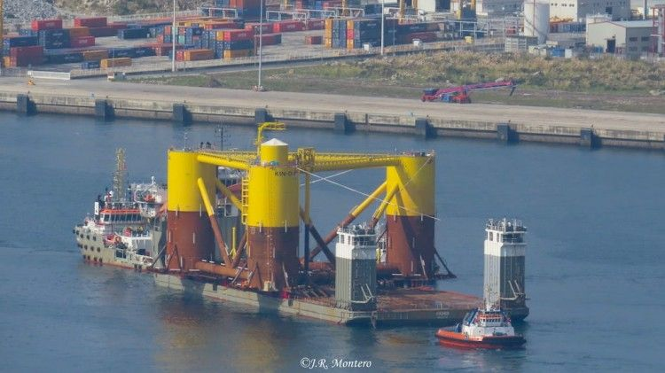 """La primera plataforma, en la cubierta del buque """"Fjord"""""""