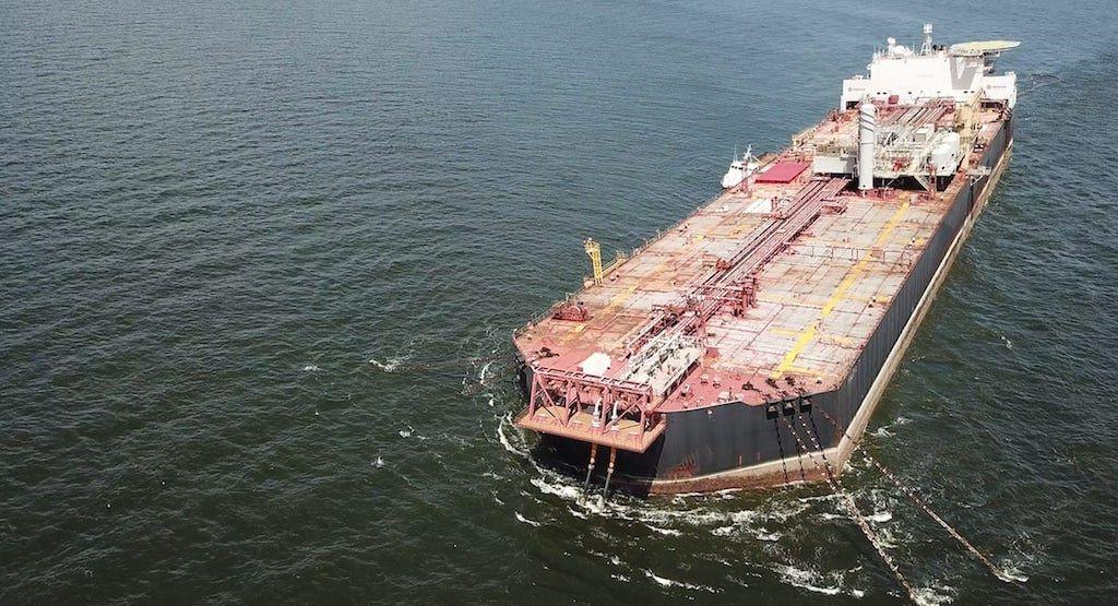 """Panorámica aérea del buque """"FSO Nabarima"""""""