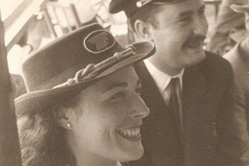 Jesusa Terradillos, flamante azafata de AVIACO, en una foto de 1948