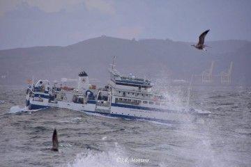 """El buque """"Miguel Oliver"""", a su arribada, ayer, a A Coruña"""