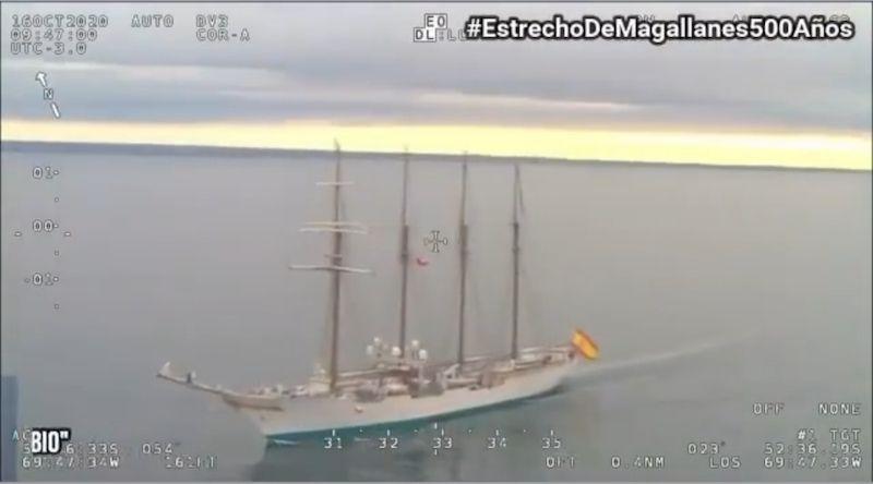 La navegación por el estrecho de Magallanes se aprecia tranquila