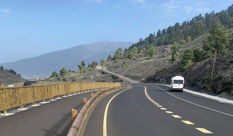 Tramo renovado de la carretera general del Sur de La Palma, en las proximidades de Jedey