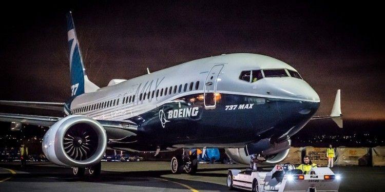 El avión Boeing B-737 Max, a punto de remontar el vuelo