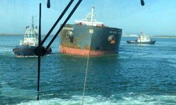 Tres remolcadores de Boluda intervienen en el reflotamiento del buque