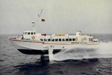 """El hidro-foil """"Corsario Negro"""", primero de su clase que operó en Canarias"""