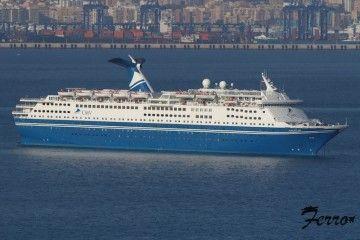 """El buque """"Magellan"""", fondeado este fin de semana en Gibraltar"""