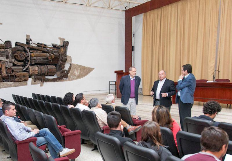 Francisco Galante, Antonio Burgos y Antonio Martinón, en el acto celebrado en la Escuela de Náutica