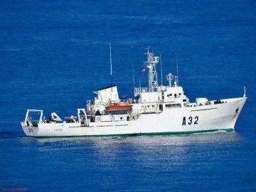 """El buque hidrógrafo """"Tofiño"""", en el antepuerto de Las Palmas de Gran Canaria"""