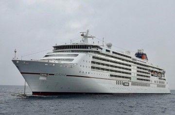 """El buque """"Europa 2"""", fondeado al resguardo de Anaga"""