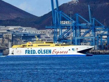 """El catamarán """"Bonanza Express"""", en dirección de ASTICAN"""