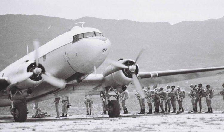 Avión militar C-47 de Douglas