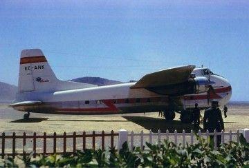 El avión Bristol 170 de Iberia operado por Aviaco, en el aeropuerto de Ibiza