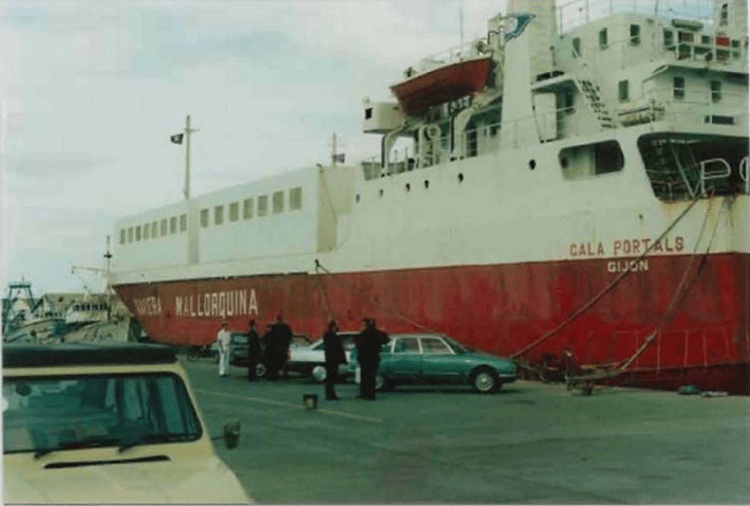 """Siendo """"Cala Portals"""", en su etapa de Naviera Mallorquina"""