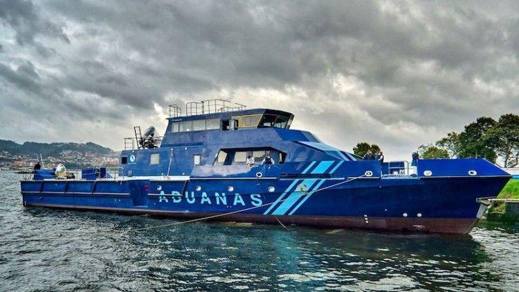 La nueva lancha Rodman 138, tras su puesta a flote