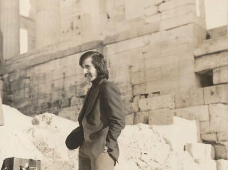José Ricardo Rodríguez Montero, en una visita al Partenón (1974)