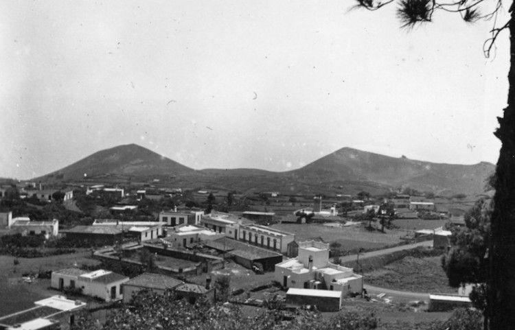 El barrio de Los Canarios, cabecera de Fuencaliente, c. 1928
