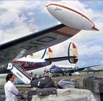 Detalle del tip del plano izquierdo del avión L-1049G de Iberia