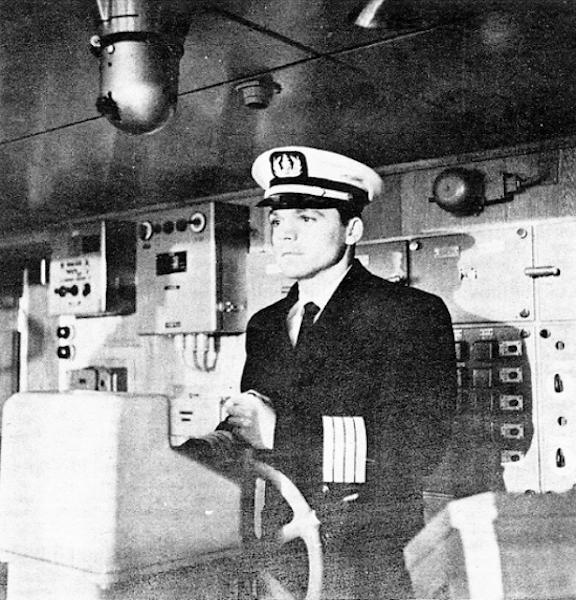 """Jesús Jiménez Escobar, primer capitán del buque """"Sierra Maestra"""""""