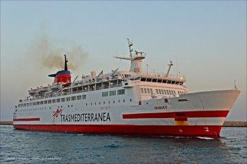 """El ferry """"Vronskiy"""", visto por la amura de estribor"""