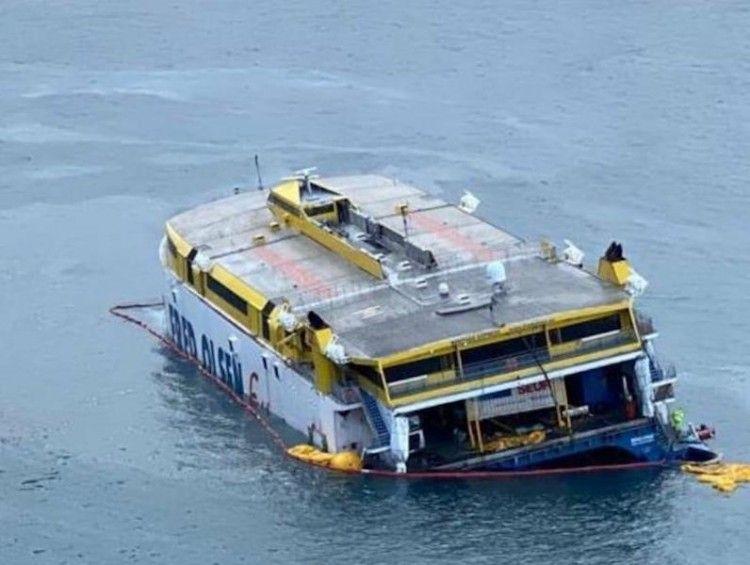 """Se han cumplido cinco días desde la varada del """"Bentago Express"""""""