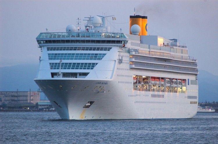 """El buque """"Costa Victoria"""" se va al desguace después de 24 años de vida marinera"""