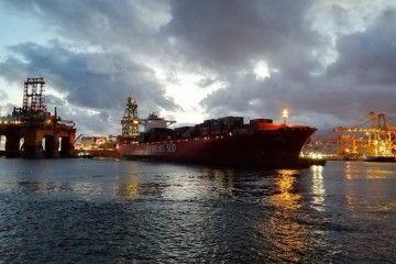 """Maniobra del buque """"San Vicente"""""""