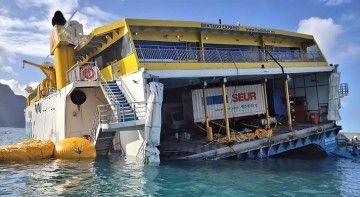 """Situación del catamarán """"Bentago Express"""", visto por la aleta de babor"""