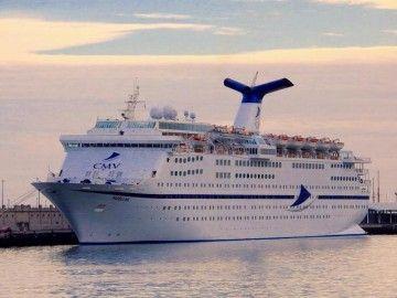 """El buque """"Magellan"""", en una escala en el puerto de Santa Cruz de Tenerife"""