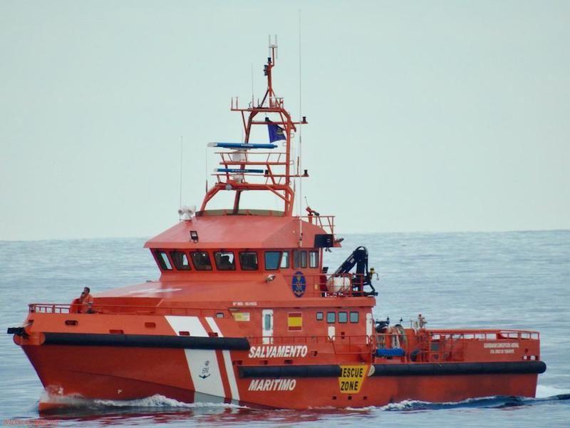 """La lancha """"Guardamar C. Arenal"""", que ha dado escolta al convoy"""