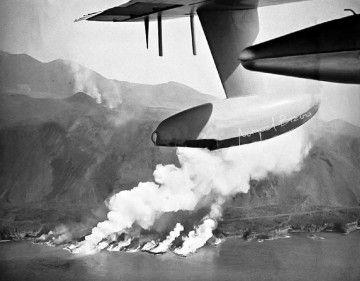 El volcán Teneguía, a vista de hidroavión del Ejército del Aire