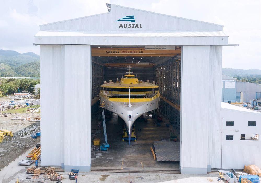 El nuevo buque se construye en una nave industrial