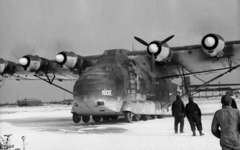 Un avión Me-323 en el frente ruso