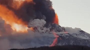 La erupción del volcán Etna deja unas imágenes espectaculares