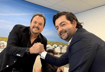 Jim Iskes y Vicente Boluda Ceballos, tras la firma del acuerdo