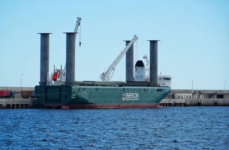 "Llamativo aspecto del buque de rotores ""E-Ship 1"""