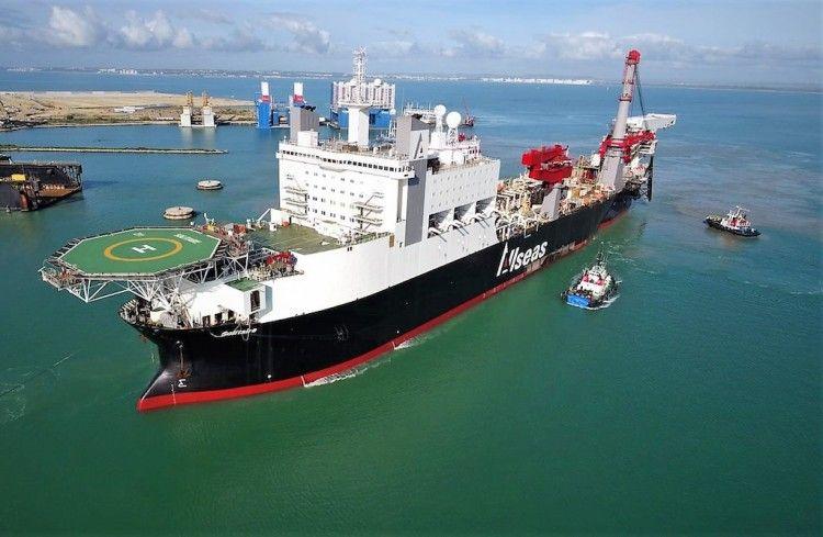 "El buque ""Solitaire"" lleva seis meses en Navantia Cádiz"